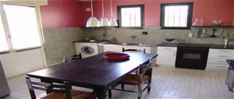 peindre un carrelage de cuisine rénovation cuisine la peinture pour peindre toute sa cuisine