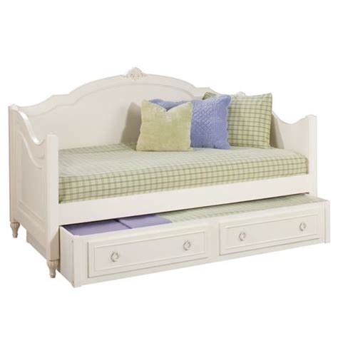 images  beds  pinterest white daybed
