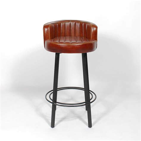 cuisine avec ilot central tabouret de bar industriel diner made in meubles