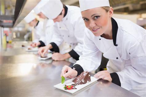les chefs de cuisine francais devenir chef cuisinier cap sur le métier de chef cuisinier
