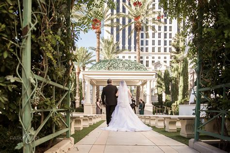 juno garden at caesars palace wedding aleska raoni