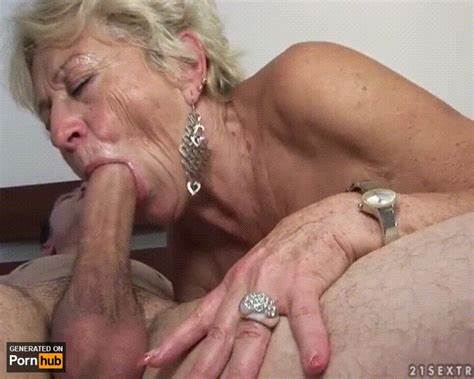 Ugly Is Captivating Stepdaddy With Her Oralservice