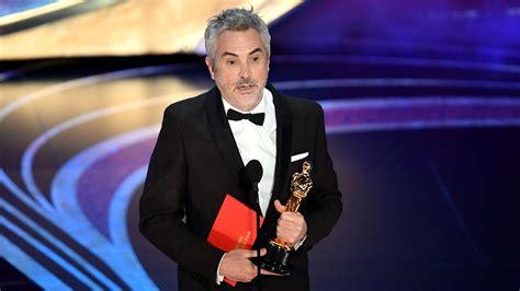 Man in Tuxedo at Oscar Dress