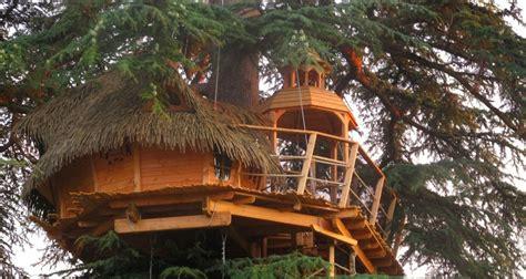 chambre d hote en charente maritime sur un arbre perché à pons 27483