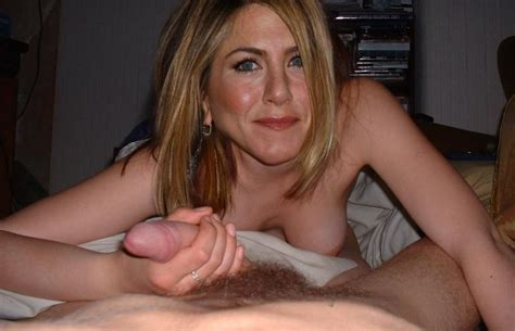 Jennifer Aniston Shows Her Famous Boobs In Hardcore Action Pichunter