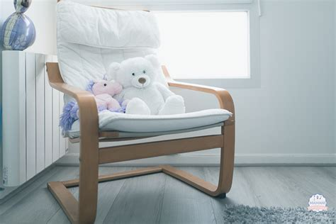 fauteuil chambre bebe visite de la chambre de ma fille la tête dans la compote