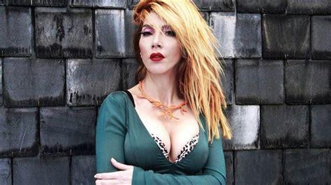 Picture Of Hande Yener
