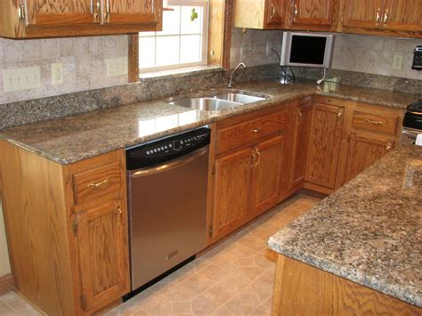 honey oak kitchen cabinets with granite countertops honey oak kitchen cabinets with black countertops pearl or