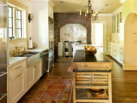 country kitchen layout cozy country kitchen designs hgtv 2829