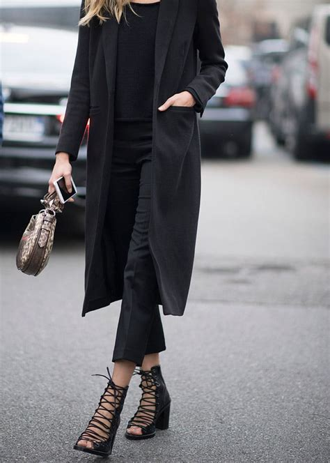 wear   black outfit  style purewow