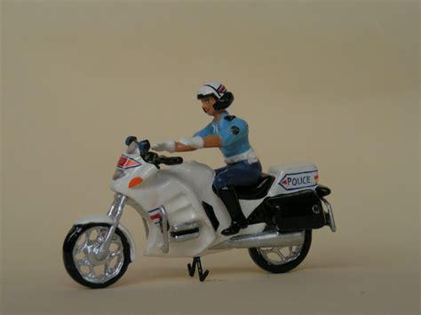 motard nationale figurines cbg motard nationale sur moto planet passions