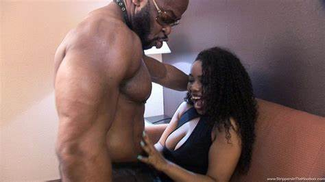 Pale Coed Layla Finesse Is Banging An Student Black Dude