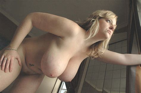 Femme Chaude Grosses Poitrines Naturelles