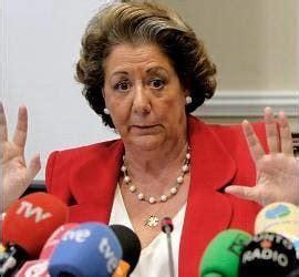 Una 'marcha indignada' parte a pie de Valencia hacia