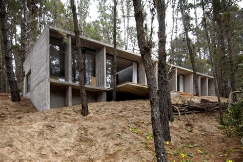 amazing concrete house plan   rustic forest home  argentina modern house designs