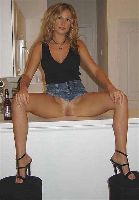 Homemade Amateur Blonde Milf