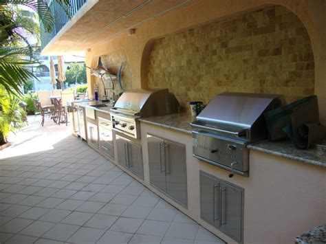 outdoor kitchen grill tropical patio miami
