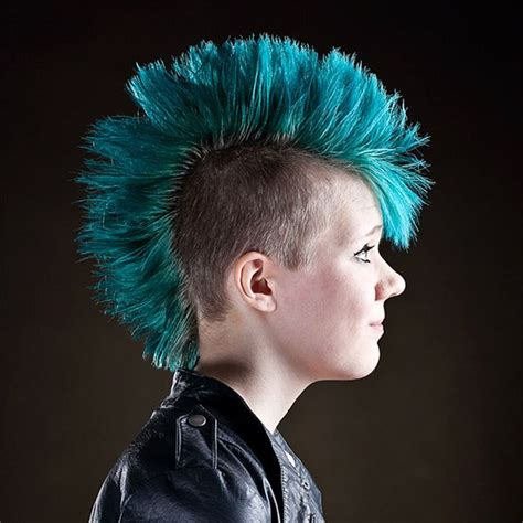 Cool Mohawk Hairstyles For by Cool Turquoise Hairstyle Turquoise Mohawk 27