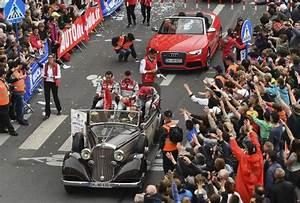 Resultat 24 Heures Du Mans 2016 : 24 heures du mans revivez la grande parade des pilotes vid os le maine libre ~ Maxctalentgroup.com Avis de Voitures