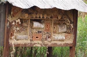 küche kaufen tipps insektenhotels im garten insektenhotel bauen wohnen de magazin