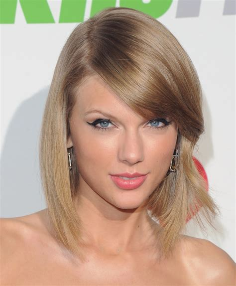 Taylor Swift's Sexiest Beauty Looks | Glamour
