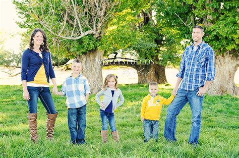 family picture colors family picture clothes by color series blues capturing joy with kristen duke