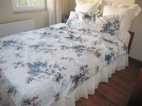 Simply Shabby Chic Bedding Minimalist Bedroom With