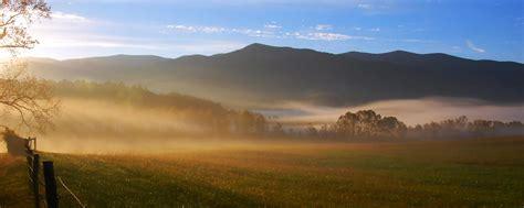 smoky mountains cades cove loop gatlinburg tn