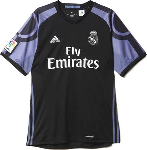 Collection of Kits Soccer Games Real Madrid 2016 | Real