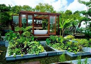 Outdoor bathroom in the middle of a tropical garden for Bathroom in middle of house