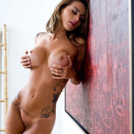 Nackt  Stephani Wells 65 Sexy