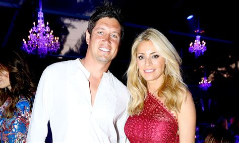 Vernon Kay has issued a response to reports he sent new ...