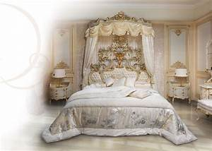 Bed in white lacquered wood, upholstered tufted headboard