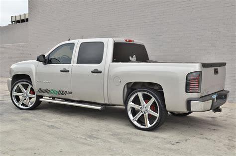 chevrolet silverado with 24in lexani johnson ii wheels 24 quot iroc wheels chrome 6 lugs rims irc006 2