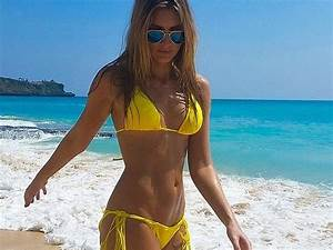HouseGoesHollywood Swimsuit Selfies From Elle Jessica