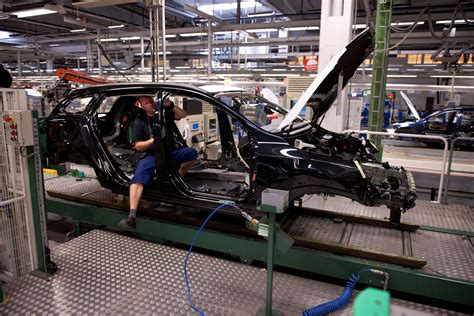 volvo truck factory sweden volvo adds 1 300 jobs at torslanda factory in anticipation