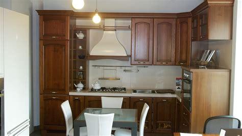 cucine legno massello prezzi cucina classica legno massello scontata 50 europlak