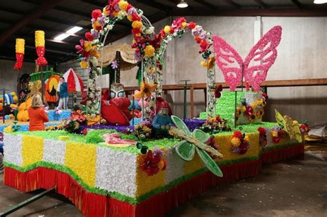 parade float decorations in san antonio school float ideas for parades search