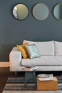 deco salon moderne canape gris coussins en jaune et With tapis moderne avec canapé patchwork vintage