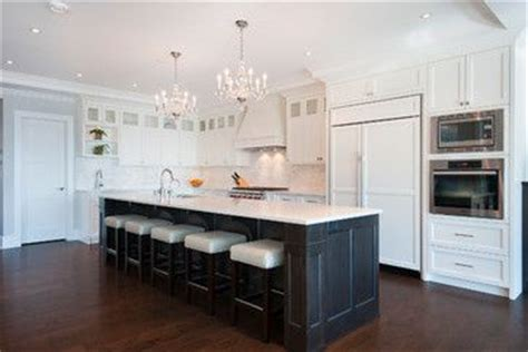 kitchen cabinets and backsplash back cabinets sw 7006 white sherwin williams 5893