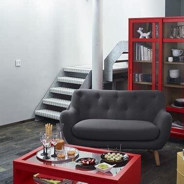 petit canapé deux places petits canapés craquants pour studio et petit salon