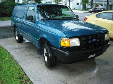 ford ranger xlt cyl  spd  topper air