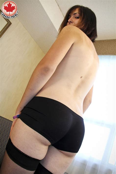 [Canada TGirl] Skye is a brand new tgirl brought to us from the Southwester at shemalebestlabel.com