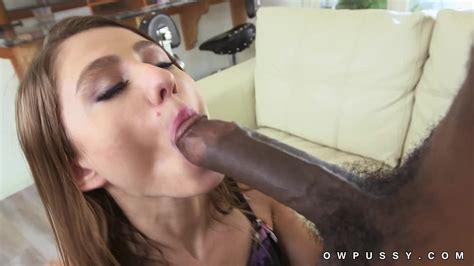 Big White Girl Sucks Bbc