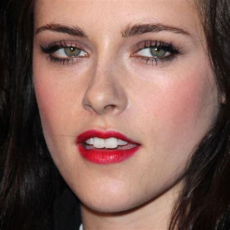 kristen stewart makeup taupe eyeshadow red lipstick