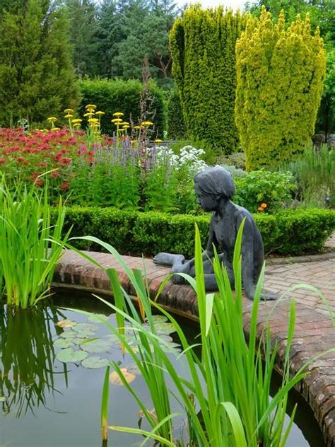Beautiful Garden Statuary by 341 Best Beautiful Garden Statuary Urns Images On