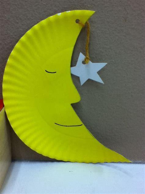 moon  stars craft  paper plate paint  yarn