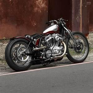Bobber Harley Davidson : when new goes old 2loud 39 s custom harley 883 bobber moto networks ~ Medecine-chirurgie-esthetiques.com Avis de Voitures