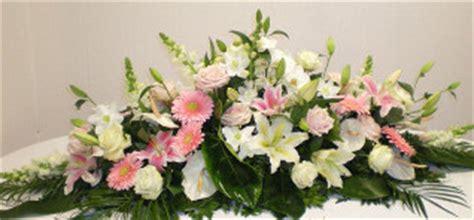 composition de fleurs moderne floral creations