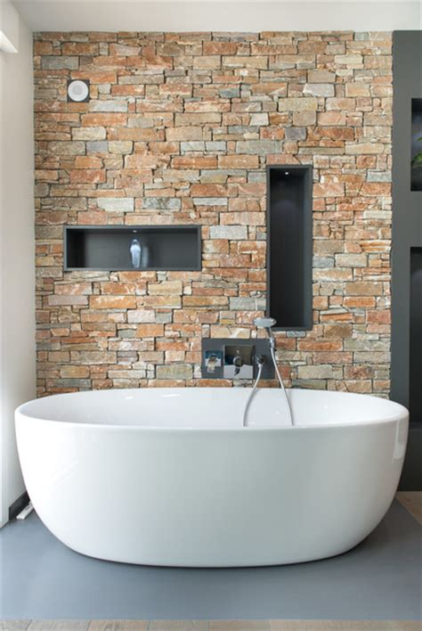 salle de bain parement pierres